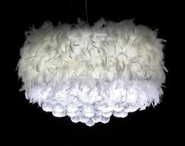 2019 erstaunliche kronleuchter Erstaunliche romantische Federgefieder-Federart mit hängender Kristallkristallfederleuchter LED der weißen Glühlampe weißen modernen rabatt erstaunliche kronleuchter