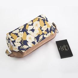 Wholesale Travel Kit Bag For Women - Flamingo Large Capacity Organizer Makeup Bag Cosmetic Bag Stuff Handbag Cosmetic Kit Storage toietry travel Bag for women
