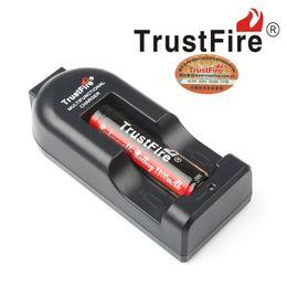 Argentina 100% Auténtico Trustfire TR002 Cargador de Batería para 18650 16450 14500 18350 Baterías Recargables VS Nitecore I8 US UK EU AU PLUG AVIALABLE Suministro