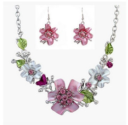 Wholesale Mother Pearl Flower Necklaces - Sweet Flowers Crystal Statement Necklaces Women Lady Fashion Diamond Flower Choker Necklace Earrings Party High Quality Jewelry Set