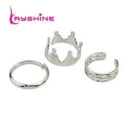 Wholesale Costume Crown Jewelry - 3pcs set Gold Silver Color Rings sets Bijoux Geometric Hiphop Rock Crown Midi Ring Female Anel Costume Jewelry Kits