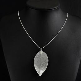 Wholesale Natural Leaf Necklace - 2017 Fashion Maxi Necklace Natural Leaf Pendants Necklaces Women Fine Jewelry Long Chain Pendant Statement Necklace Four Colors