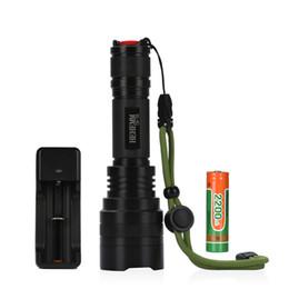 Lampe de poche 1800 lumens pour l'équitation, le camping, la randonnée et la chasse Activités intérieures avec une seule pièce 18650 Batterie et chargeur ? partir de fabricateur