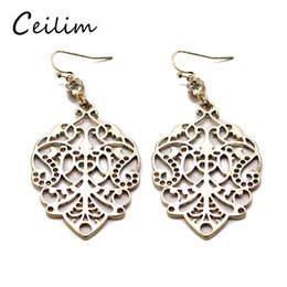 Wholesale Hollow Carved Earring - Vintage retro style carved flower hollow out dangle earrings for women leaf shape long fashion pierced earrings gifts Wholesale