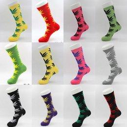 Wholesale Maples Leaves - Classic Skateboard Hiphop Socks Men Maple Leaf Socks Unisex Women Men Fashion Plantlife Leaves Cotton Stockings 33 Colors