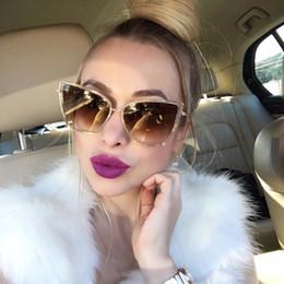 Argentina Gafas de sol de gran tamaño Mujeres Fashion Cat Eye Sunglasses Diseñador de la marca Vintage Hipster Cateye Gafas de sol Puntos Metal Frame Suministro