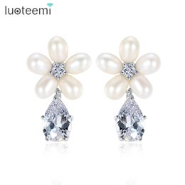 Wholesale Artificial Pearl Jewelry - Flower shape Waterdrop Earrings with Clear CZ and artificial Pearls For Bridal Silver Color Statement Wedding jewelry LUOTEEMI