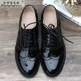 Wholesale Red Tip Toe Shoes - Wholesale- New Fashion Genuine leather Patent Leather vintage black oxford shoes for women lace-up Bullock shoes Leisure flat shoe Wing Tip