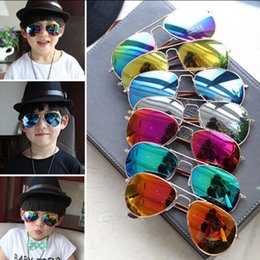 Wholesale Resin Wholesale - Hot 2017 Design Children Girls Boys Sunglasses Kids Beach Supplies UV Protective Eyewear Baby Fashion Sunshades Glasses E1000