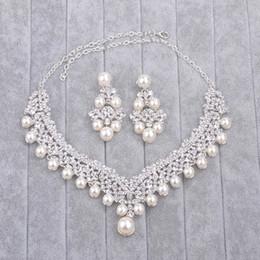 2019 conjuntos de boda de cristal Bling Bling Collar Nupcial Pendiente Auricular Pendiente Perlas Cristales de Boda Conjuntos de Joyería Nupcial de Alta Calidad conjuntos de boda de cristal baratos