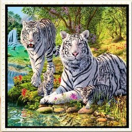 Wholesale Home Decoration Canvas Painting - YGS-546 DIY 5D Partial Diamond Embroider The tiger Round Diamond Painting Cross Stitch Kits Diamond Mosaic Home Decoration