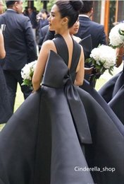 Wholesale Cheap Tens - 2017 Elegant Black Halter Bridesmaid dresses Ten Length Ball Gowns Sleeveless Satin Cheap Maid of Honor Gowns Wedding Party Robes with Bows