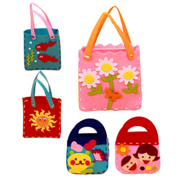 Wholesale Handbag Craft Kids - Wholesale- Kids DIY Handmade Handbags Non-woven Cloth Children Handwork Cloth Crafts Cartoon Toys Creative Gifts Random Pattern K5BO