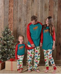 Wholesale mom son outfits - Retail Elk prints Christmas Pajamas father son mom Pjs family matching outfits Fashion Patchwork Long sleeve clothing set