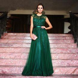 300854bdf 2019 vestido verde esmeralda línea verde 2017 una línea elegante esmeralda  verde vestido de noche largo