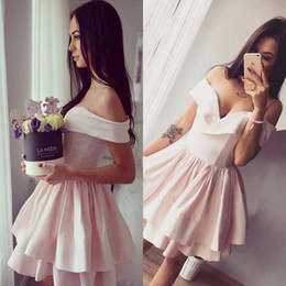 Wholesale Cheap Elegant Cocktail Dresses - Little Pink Short Homecoming Dresses 2017 Elegant Off Shoulders Cheap Cocktail Dresses Knee Length Party Wear Graduation Gowns