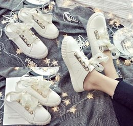Wholesale Gold Shoes Thick Heel - European summer pearl ribbon baotou cool female slippers diamond thick white shoe student flat bottom sneakers medium