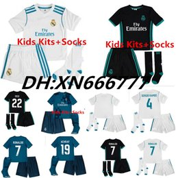 Wholesale Football Shirt Kids Kit - 2017 2018 Real Madrid Home Kids soccer Jerseys kits +Socks 17 18 RONALDO SERGIO RAMOS JAMES BALE RAMOS ISCO MODRIC Benzema football shirts