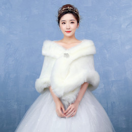 Wholesale Winter Wedding Dress Faux Fur - 2017 Elegant Faux Fur Wedding Jacket Women Winter Jacket Wedding Dress Cloak Elegant Faux Fur Bridal Wraps Bolero