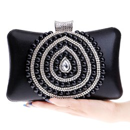 Wholesale Day Bag Beading - Wholesale-Heart Design Beaded Day Clutches Bags Messenger Diamonds Chain Shoulder Handbags Silver Gold Black Purse Evening Bag