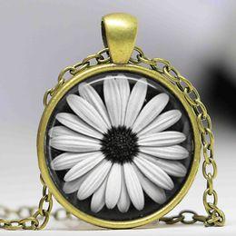 Wholesale Tile Necklaces - Daisy Necklace Glass Tile Jewelry Flower Necklace Flower Jewelry Daisy Pendant
