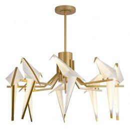 2019 деревянные лампы ручной работы Современный творческий птица droplight гостиная ресторан бар личность papercranes спальня лампы и фонари ламп и фонарей бесплатно Ши