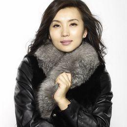 2019 натуральные шарфы Wholesale- Real Raccoon Fur Scarves Woman 100% Pure Natural Raccoon Fur Collar Warm Winter Scarves Silver  Fur Collar Color LZ22 дешево натуральные шарфы