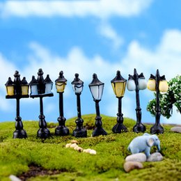 Wholesale Miniature Light Lamps - 8pcs lot Antique Imitation Resin Craft Street Lamp Lighting Fairy Garden Home Miniature Terrarium Decoration Jardin Microlandschaft