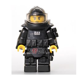 Wholesale Building Clothes - World War Anti-explosion Clothing CITY Police Weapons SWAT Building Blocks Kids Toys Gifts Army Minifigures Box Accessories