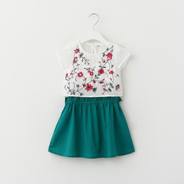 Wholesale Cute Baby Girl Chinese - Elegant Chinese style New Arrivals baby girl sling Floral embroidery Short sleeve T-shirt+cute sling Cotton dress two set