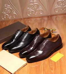 Wholesale Dress Shoes For Men Size - 2017 Men's Fashion Designer Formal Dress Shoes Brand Genuine Leather Luxury Wedding Shoes For Men Business Office Flats Oxfords Size 38-44