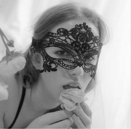 Wholesale Lace Fr - 2017 Halloween Sexy Masquerade Masks Black White Lace Masks Venetian Half Face Mask for Christmas Cosplay Party Night Club Ball Eye Masks Fr