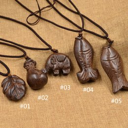 Wholesale Lucky Fish Pendant - Wholesale-Fashion Jewelry Vintage Artificial Leather Necklace Chain Wood Lucky Fish Pendant Brown