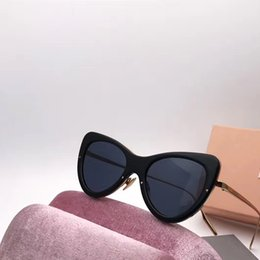Wholesale Mirror Crystals - SMU070 Luxury Sunglasses Women Brand Designer Sunglasses Cat Eyes Frame Sunglasses Crystal Metarial Fashion Women Style Come With Pink Case