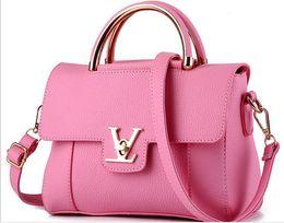 Borse di varietà online-Pacchetto femminile 2017 nuovo vento di moda vogue piccolo sacchetto di incenso delle signore borsa di moda indossata una spalla all'ingrosso della borsa una varietà di colori