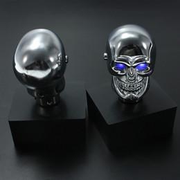 Manopole del cambio del cranio online-Car Universal Shift Shifter Knob Metal Skull Blue LED Light leva del cambio