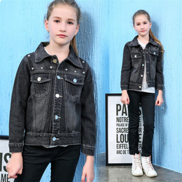 Wholesale Korean Children S Clothes - Children s clothing autumn new Korean girls denim jacket rivets autumn coat short cotton wholesale and retail