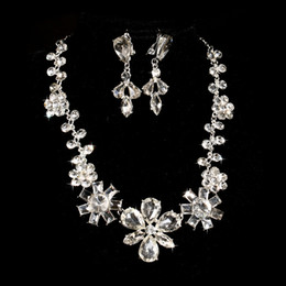 Wholesale Indian Outfits - Bridal Crystal Necklace Earrings Jewelry Sets Two-piece Outfit Bride Wedding Dress Accessories Wholesale Women Earrings & Necklace Set