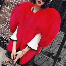 Calentador en forma de corazón online-Venta caliente Elegante Celebridad 3D Red Love Heart Faux Fox Fur Shaped Cape Long Hairy Shaggy Coat Mujeres Grueso Invierno Cálido Outwear Tops