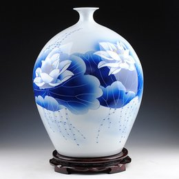 Wholesale Hand Painted Art Ceramics - Ancient Style Blue and White Porcelain Traditional Chinese Elegant Tabletop Vase with Hand Painted Lotus Painting ZDV-M004H