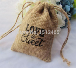 "Wholesale Wedding Gifts Bomboniere - Wholesale-Free shipping,50pcs lot ""LOVE is Sweet"" Natural burlap Hessian Bags Rustic wedding bomboniere Gift bags 10*15cm MD08-50"