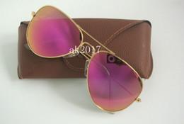 Wholesale 1 par de gafas de sol de alta calidad piloto colorido gafas de sol de metal para mujeres marco de oro rosa gafas de sol de espejo destello púrpura con caja marrón