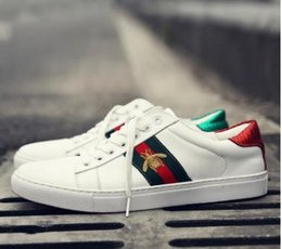 Wholesale Small Size Shoes Women - 2017 Fall New embroidery Small bee Small White Shoes For Men and Women Casual Walking Shoes Size 36-44