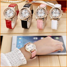 Wholesale Antique Pink Glass - NEW - Women Fashion Quartz Watches, Vintage Leather Women Black White Red Pink watch, Casual Dress Wristwatches