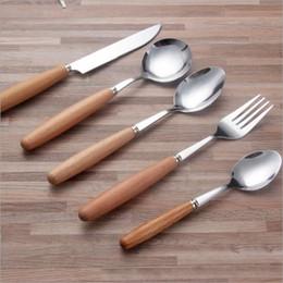 Set de cuchillos tenedor de frutas online-Estilo japonés de madera hanlde cuchillo de carne de acero inoxidable tenedor de frutas sopa de arroz helado de café cuchara de té Cubiertos vajilla Set h125