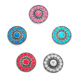 Wholesale Retro Snap - 19mm Retro Silver Flower Pattern Round Inlaid Diamond Fashion Snap Charm Jewelry Chunk Snap Button For Necklace Christmas Gift N143S