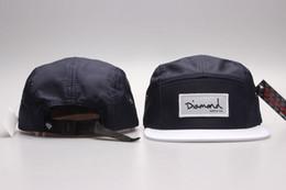 Nuevo estilo DIAMOND 5 Panel Sombreros hip hop gorras sombreros de sombrero  plano para hombres mujeres Cap hat Barato al por menor envío gratis 2eee03d10c0