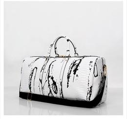 Wholesale Vintage Duffel Bag - 2017 New Snakeskin Men's Bags Totes Vintage Designer women Messenger crossbody bag men shoulder large-capacity Laptop Travel Bags