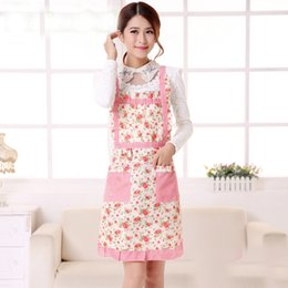 Wholesale Apron Patterns - New Lady's Retro Style Flower Pattern With Pocket Cotton Kitchen Cooking Lattice Apron Cooking UK Baking Home Cleaning Tool Accessories