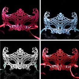 Wholesale Masquerade Mask Fox - 200pcs lot Women Halloween Party Mask Fox Hollow Out Princess Half Face Masquerade Girls Masks For Female Dancing Wear